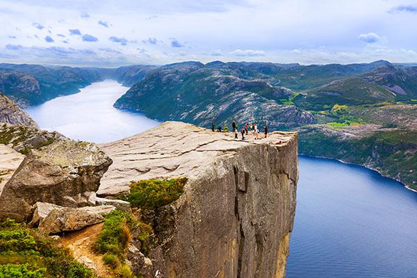 pulpito preikestolen fiordos noruega.jpg