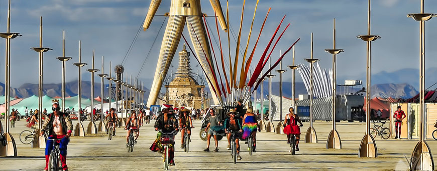 ciclistas-burning-man-pb.jpg